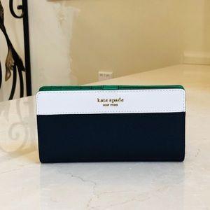 NWT Kate spade ♠️ Large bifold Wallet